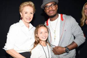 OMG its NeYo at Carolina Herrera S/S 14.